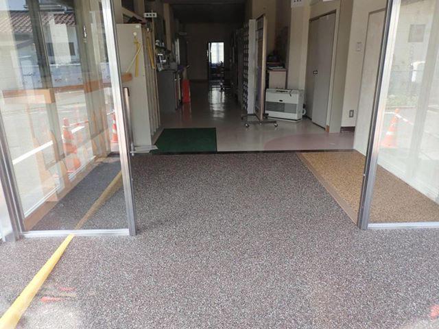坂城町商工会館エントランス改修-06